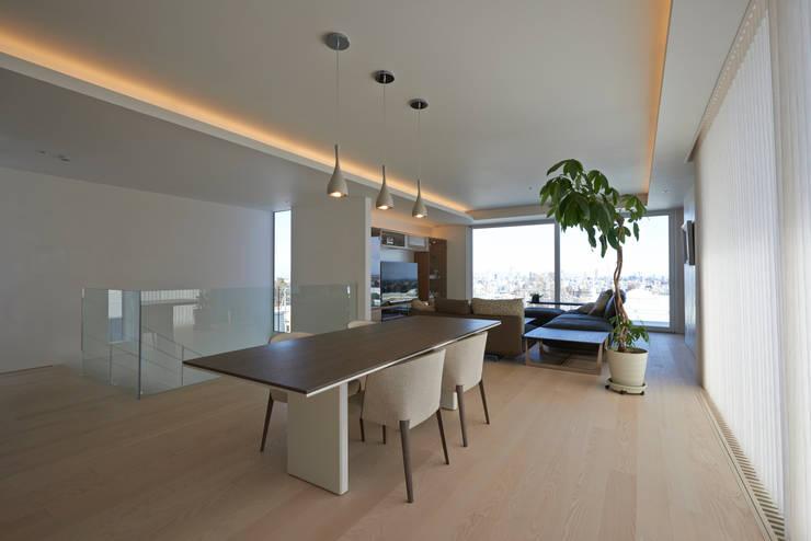 FSMR: アトリエモノゴト 一級建築士事務所が手掛けたダイニングです。