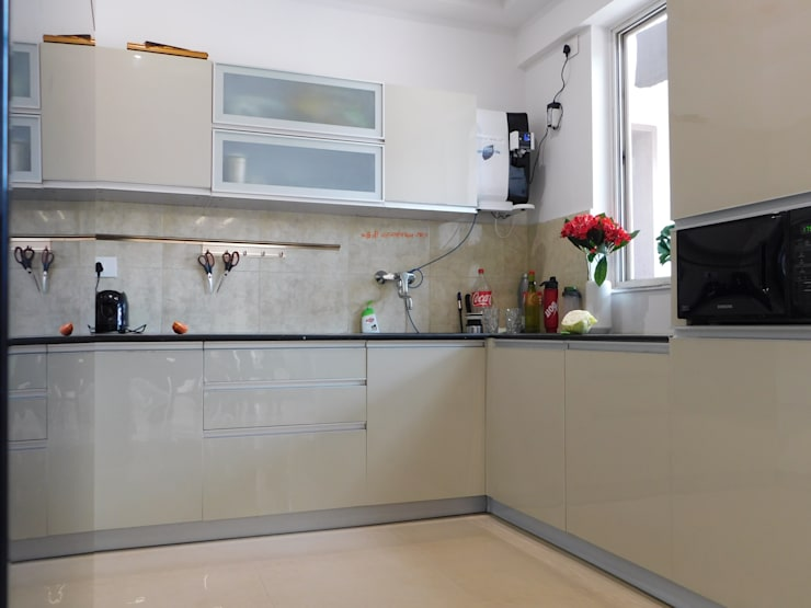 Interior: modern Kitchen by Inspire Interiors & Archcons India Pvt Ltd
