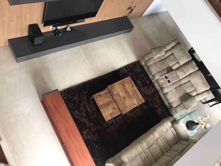 Interior: modern Living room by Inspire Interiors & Archcons India Pvt Ltd