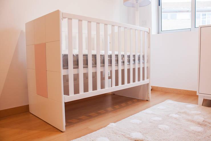 Cuarto del bebé de estilo  por FlyBaby, Moderno