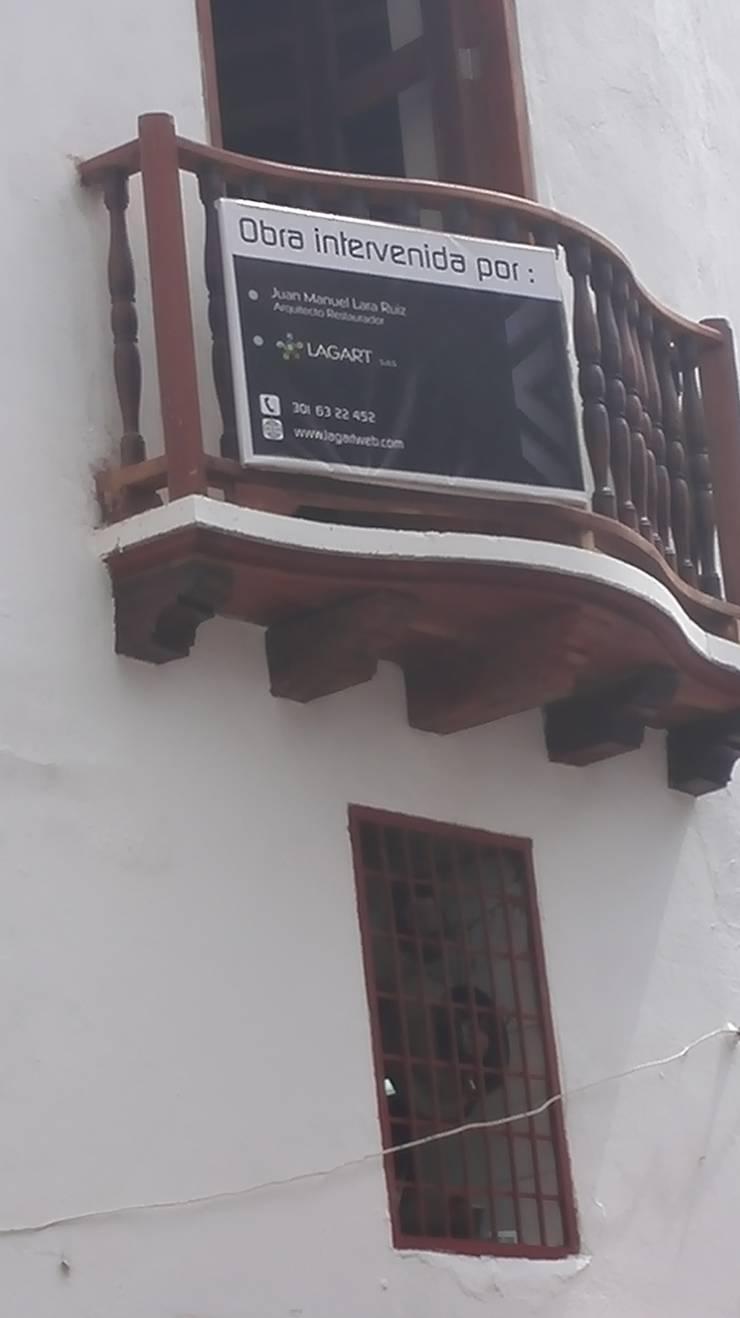 PROYECTO CALLE DEL CANDILEJO CON CALLE COCHERA DEL GOBERNADOR: Casas de estilo  por LAGART SAS