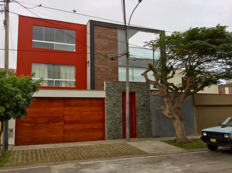 Vivienda Unifamiliar - Fachada Exterior: Casas de estilo  por EPG  Studio