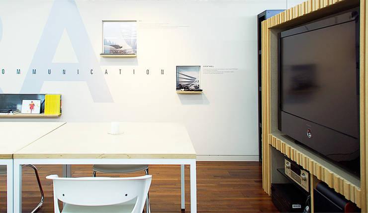 내부: (주)건축사사무소 예인그룹의  계단