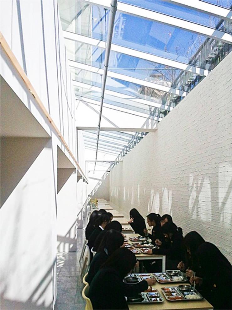 van (주)건축사사무소 예인그룹 Modern Gewapend beton