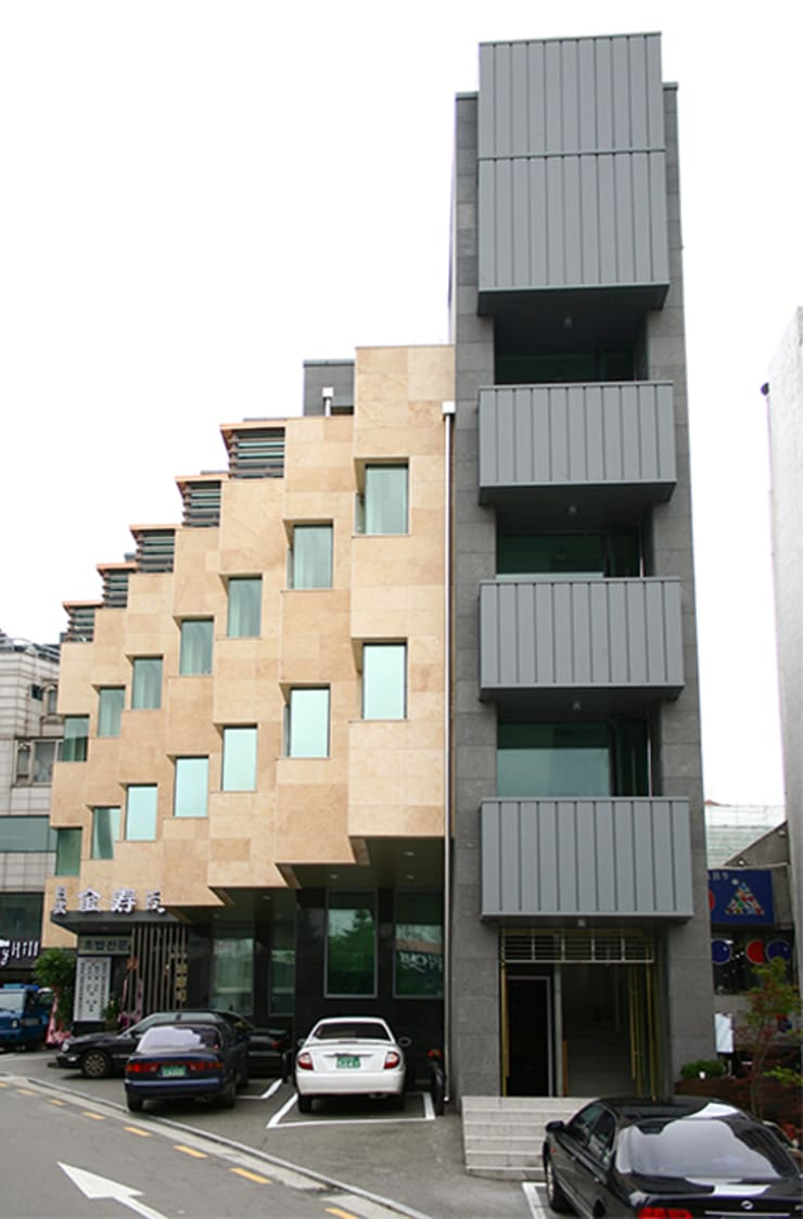 외부전경 (리모델링후): (주)건축사사무소 예인그룹의  계단,