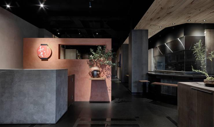 入口:  餐廳 by 樸十設計有限公司 SIMPURE Design