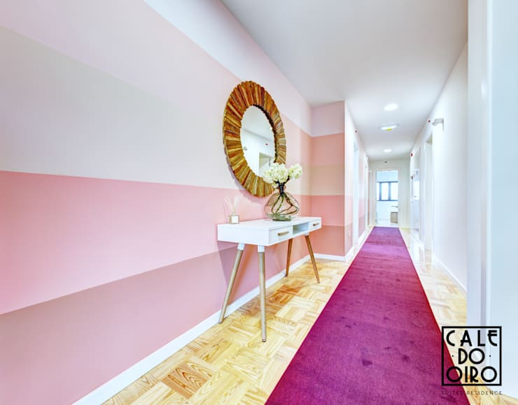 Corredor: Corredores e halls de entrada  por EMME Atelier de Interiores
