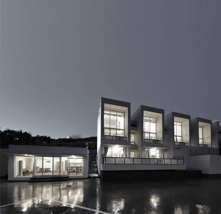 펜션 물건45: 건축사사무소씨엔의  다가구 주택,모던 콘크리트