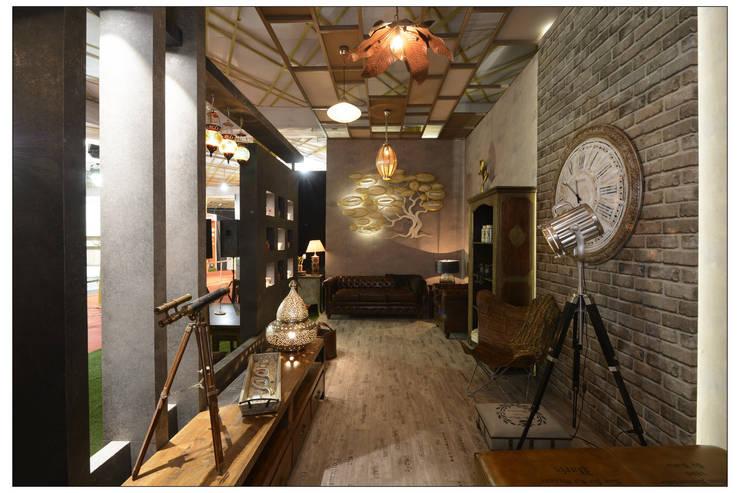 Architects & Interiors Event 2016 :  Corridor & hallway by RA LIFESTYLES