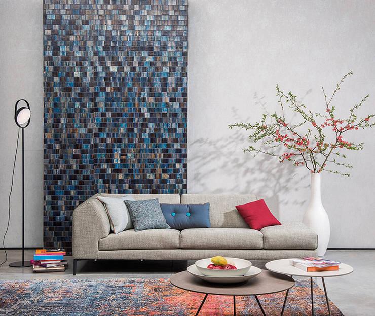 Năm 2018 sẽ là năm đánh dấu cho những màu sắc trung tính mang lại sự ấm cúng.:  Phòng khách by Công ty TNHH Thiết Kế Xây Dựng Song Phát