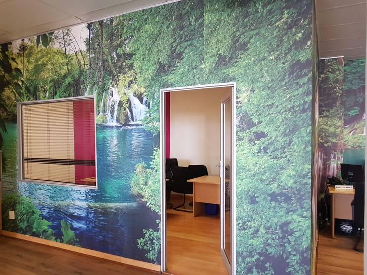 Study/office by Custom Art Framing (Pty) ltd