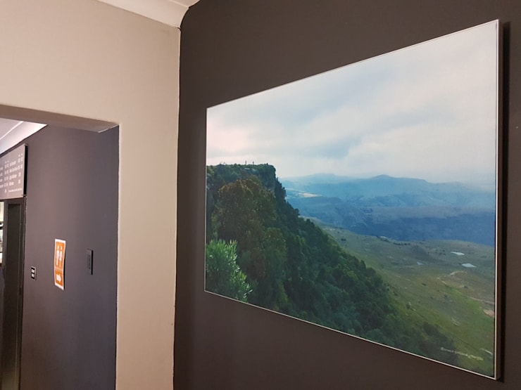Offices & stores by Custom Art Framing (Pty) ltd