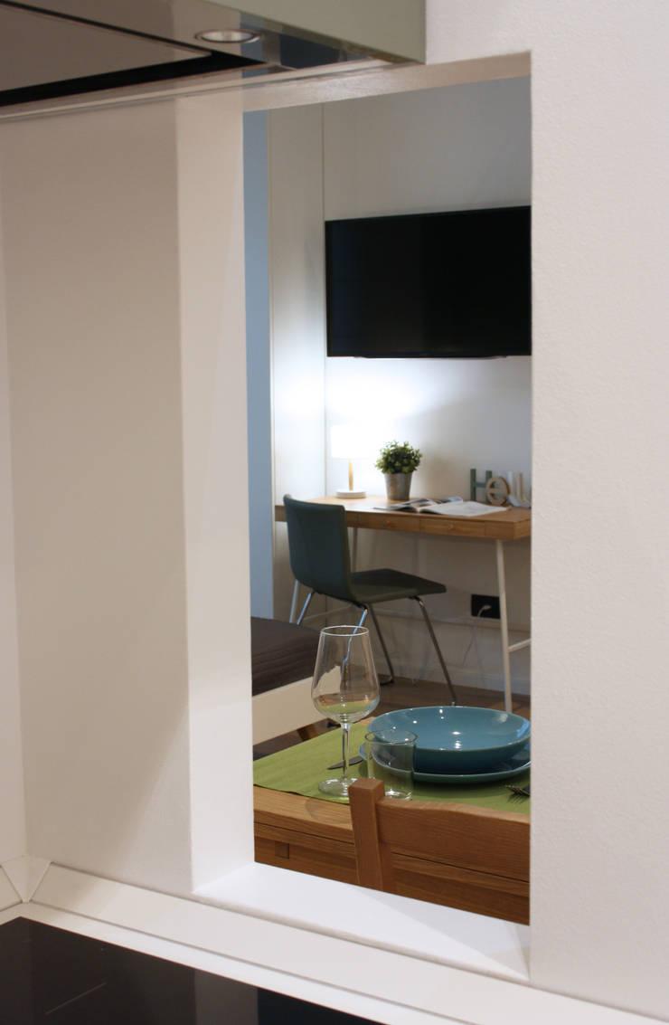 green: Studio in stile in stile Scandinavo di studio ferlazzo natoli