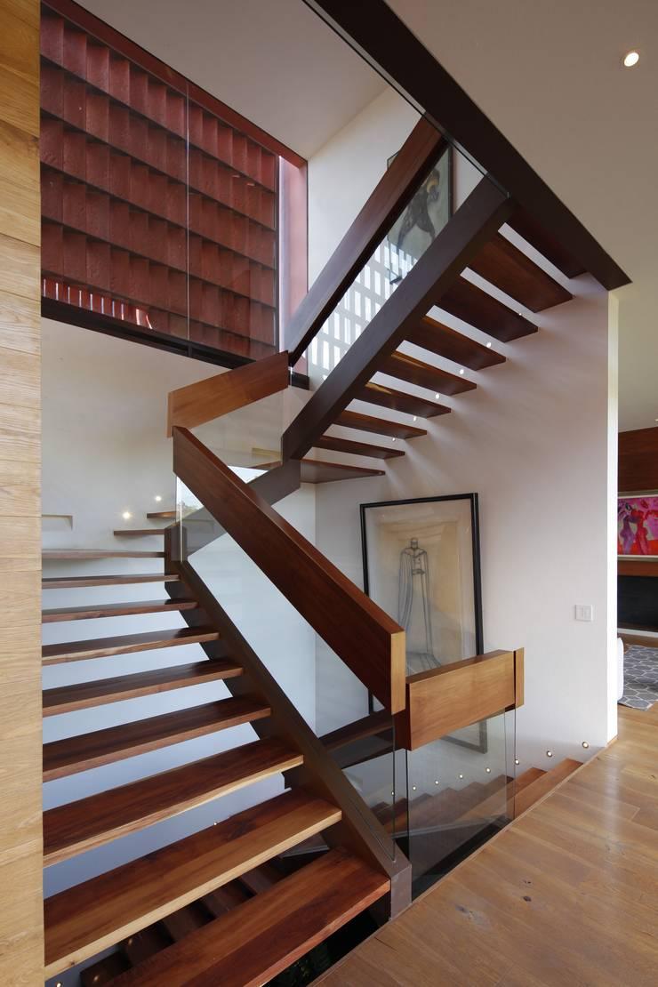 RED HOUSE by Hernandez Silva Arquitectos Modern
