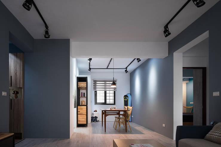 Cocinas de estilo  de 築室室內設計, Minimalista