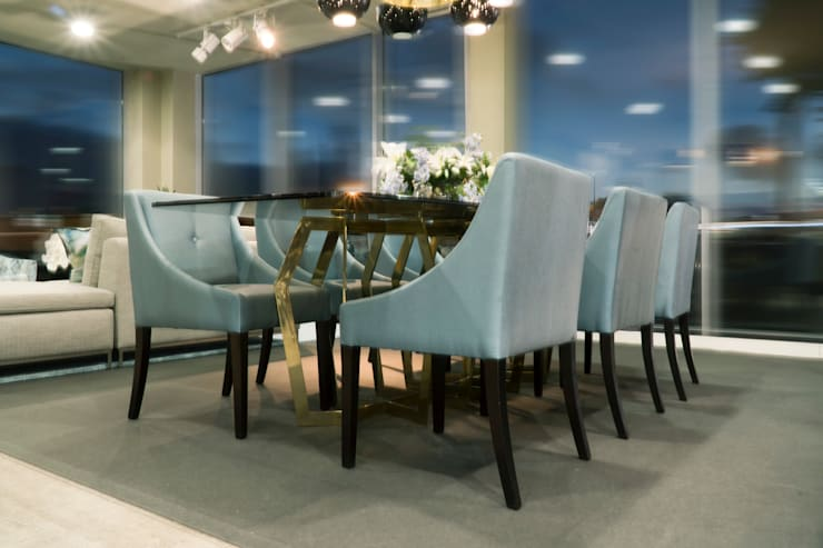 Dining Rooms:  Dining room by Alfaiate d'Interiores