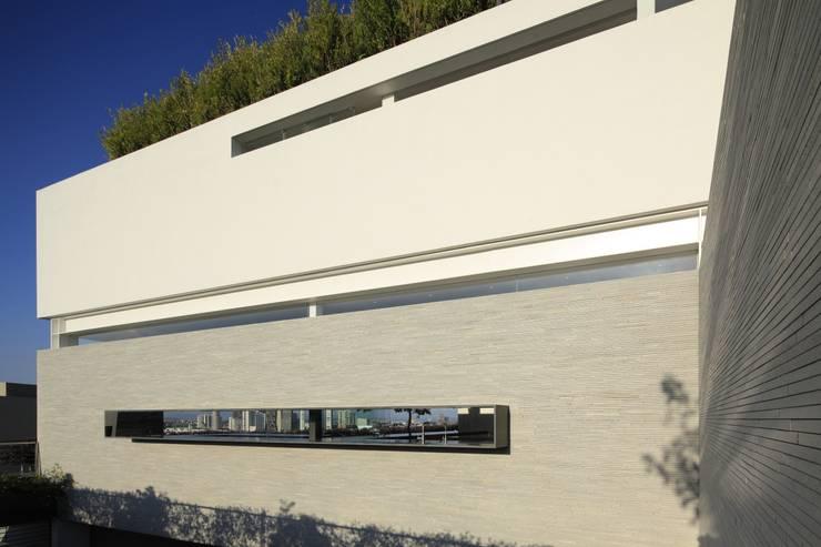 BR HOUSE: Casas de estilo  por Hernandez Silva Arquitectos