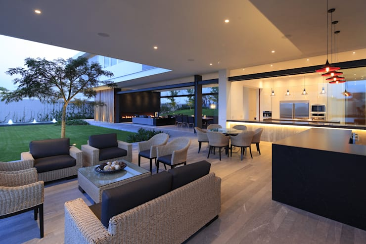 BR HOUSE: Terrazas de estilo  por Hernandez Silva Arquitectos