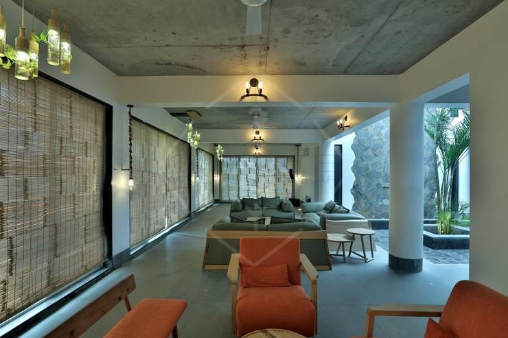 Farm house (Part 2):  Corridor & hallway by SPACCE INTERIORS