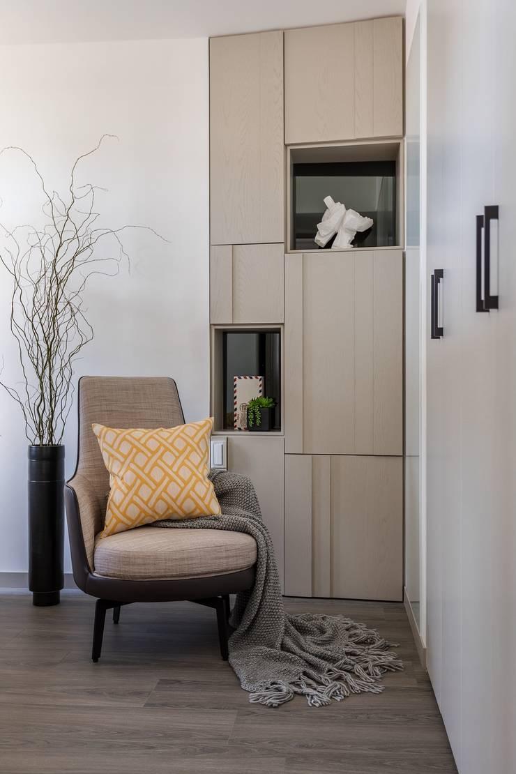 現代奢華卻不失溫度!滿足對家的想像:  書房/辦公室 by E&C創意設計有限公司