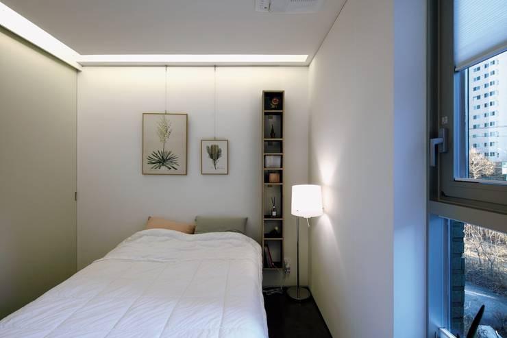 쓰리룸세대(실입주세대) Bed room: kimapartners co., ltd.의  침실