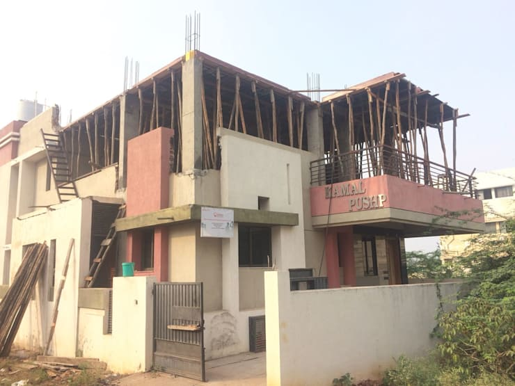 Shuttering for first floor Slab:  Houses by Cfolios Design And Construction Solutions Pvt Ltd,Modern