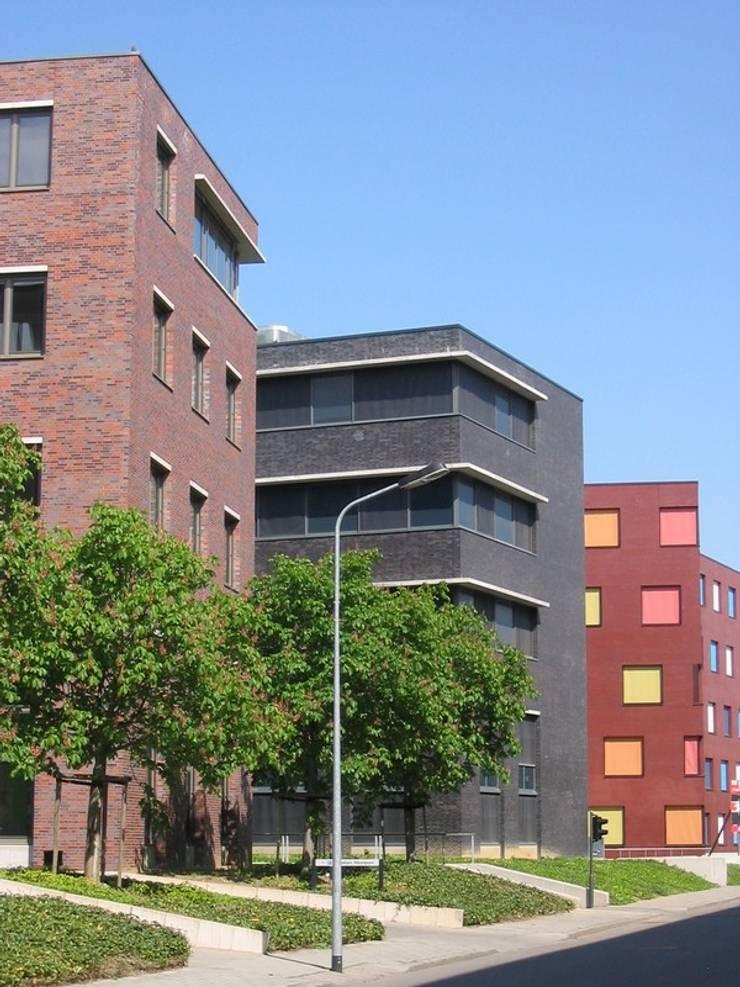 Kantoorgebouw Leidenlaan, Randwyck Maastricht:  Kantoorgebouwen door Verheij Architecten BNA, Modern
