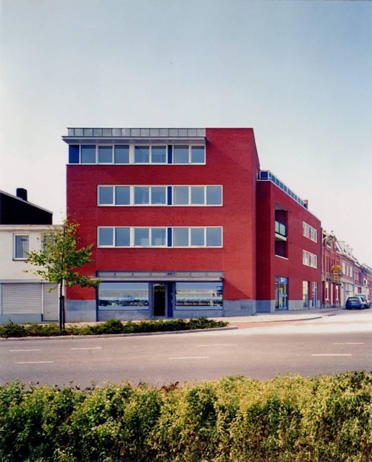 Winkel en Appartementen, Hoensbroek:  Eengezinswoning door Verheij Architecten BNA, Modern