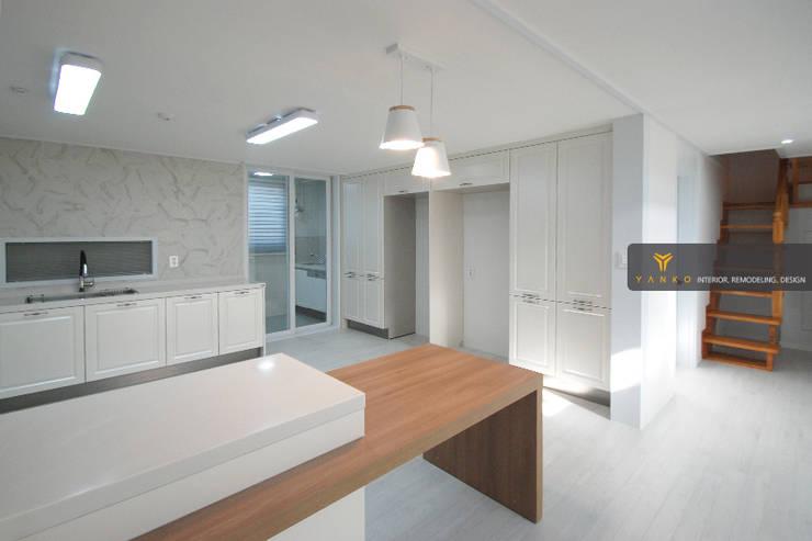 용인 동백 중동 성산마을 서해그랑블 46평 아파트: 얀코인테리어의  주방