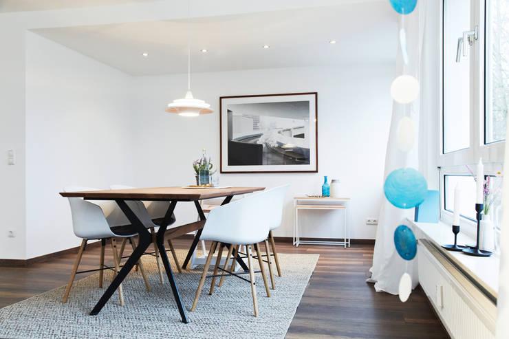 Geschmackvolles Esszimmer:  Esszimmer von Home Staging Bavaria