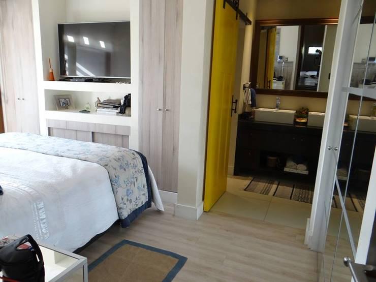 DORMITORIO: Dormitorios de estilo  por ALLEGRE ARQUITECTOS