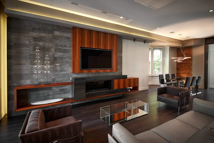 Corcoran House:  Living room by KUBE Architecture