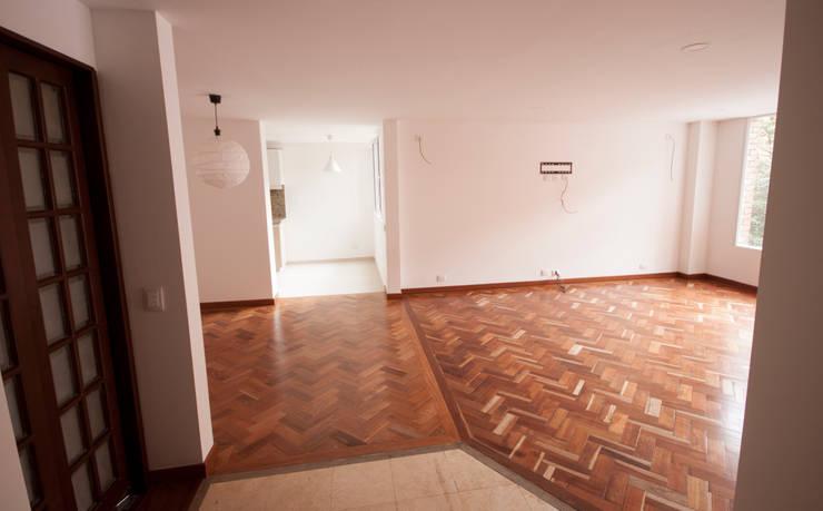 Apartamento Dimaté Gómez: Comedores de estilo  por AMR estudio