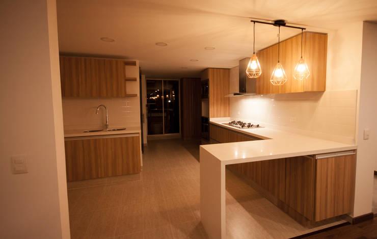 مطبخ ذو قطع مدمجة تنفيذ AMR estudio,