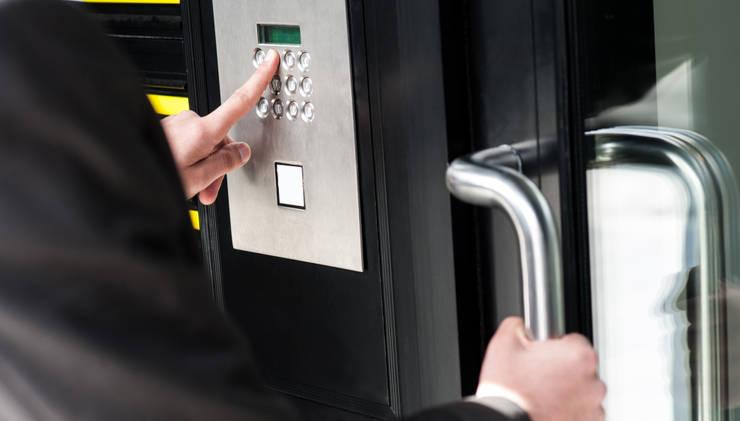 Commercial Smart Locks Installation:   by Locksmith Kempton Park,