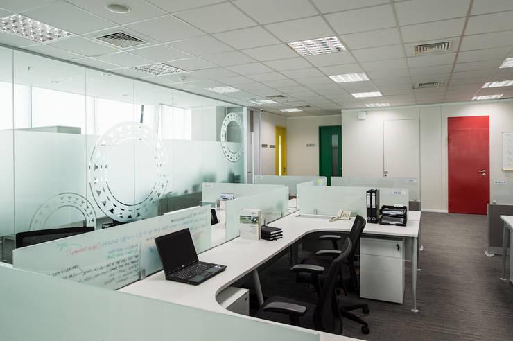 Workstation Area:  Gedung perkantoran by Asa Adiguna, PT