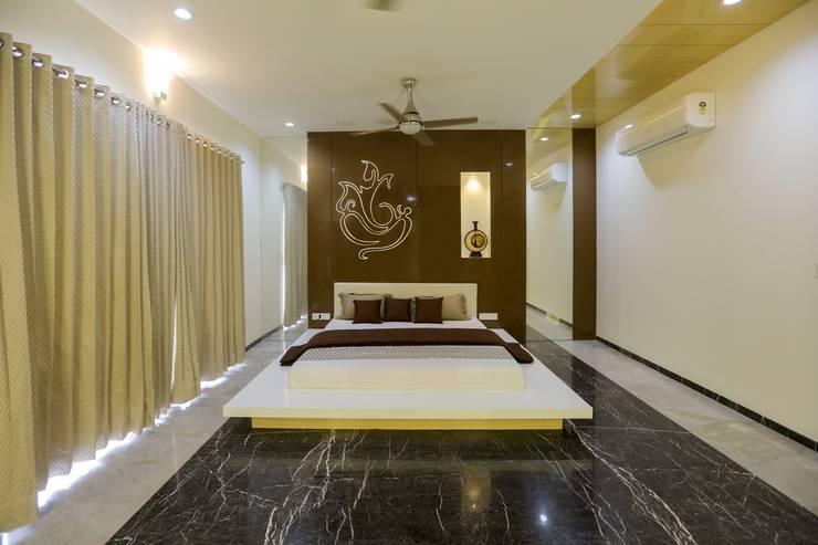 Bedroom:  Bedroom by ZEAL Arch Designs