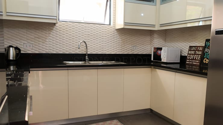 Black Sapphire Quartz Kitchen Countertop at Robinsons Highlands:  Kitchen by Stone Depot