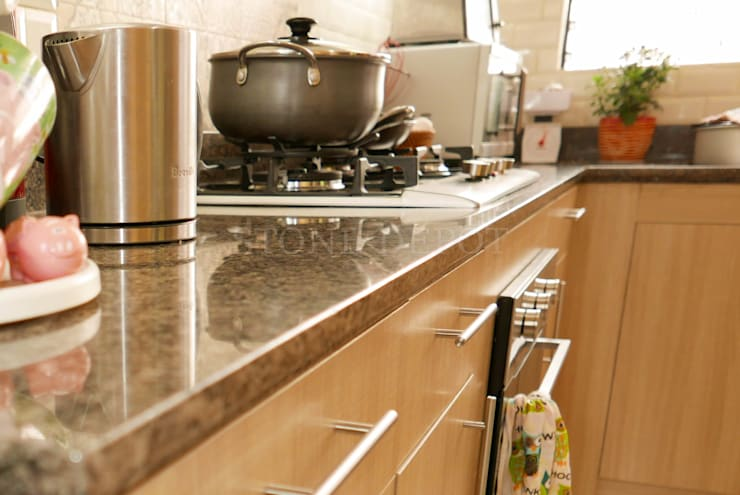 Marigold Granite Kitchen Countertop in Talamban, Cebu City:  Kitchen by Stone Depot