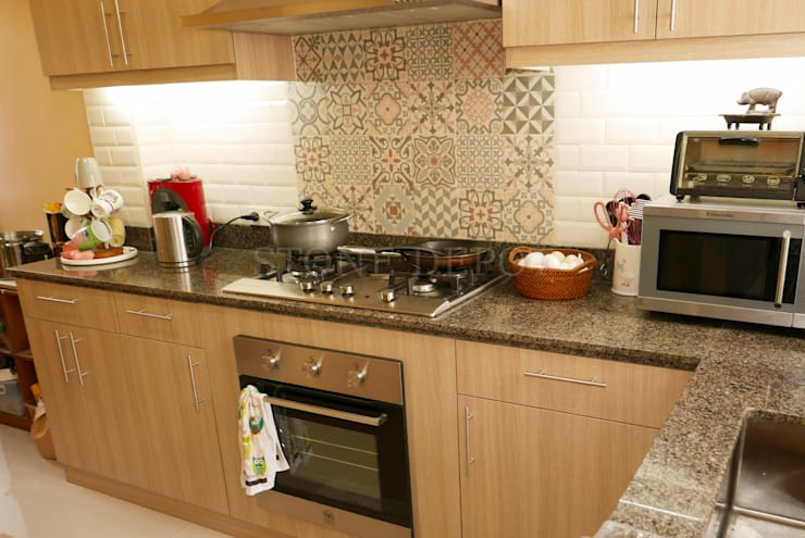 Marigold Granite Kitchen Countertop in Talamban, Cebu City: classic Kitchen by Stone Depot
