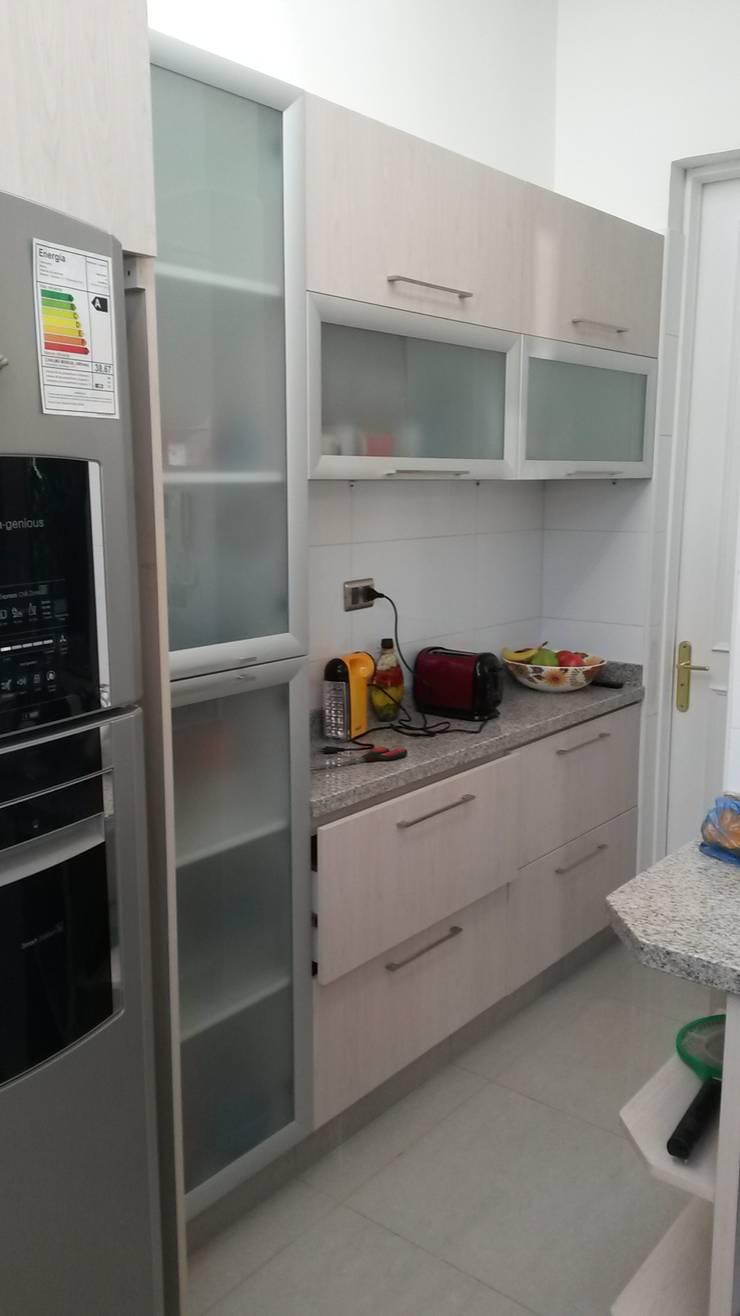 Remodelacion Los Almendros de Huechuraba: Muebles de cocinas de estilo  por ARCODI