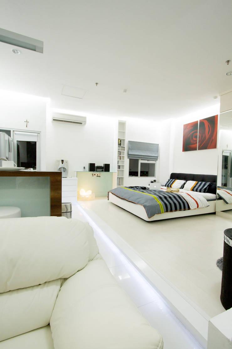 Cuartos de estilo moderno de PT. Dekorasi Hunian Indonesia (DHI) Moderno