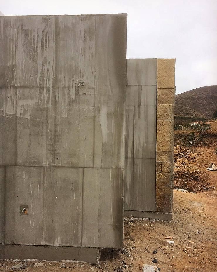 Casa unifamiliare in stile  di Territorio Arquitectura y Construccion - La Serena