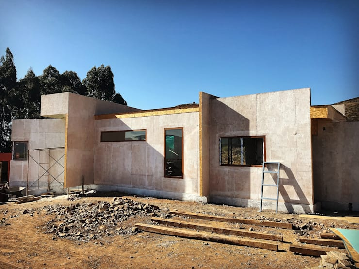 Single family home by Territorio Arquitectura y Construccion - La Serena