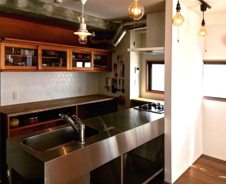 キッチン: tai_tai STUDIOが手掛けたキッチンです。
