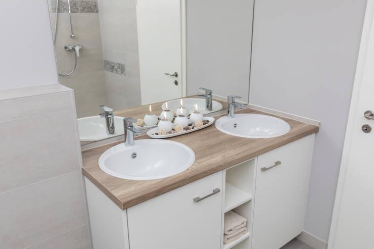 Waschtischunterschränke:  Badezimmer von ASADA Schiebetüren und Möbel nach Maß - Ulrich Schablowsky