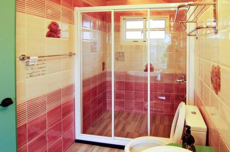 K3300:  浴室 by 中圓泰 / 淋浴拉門