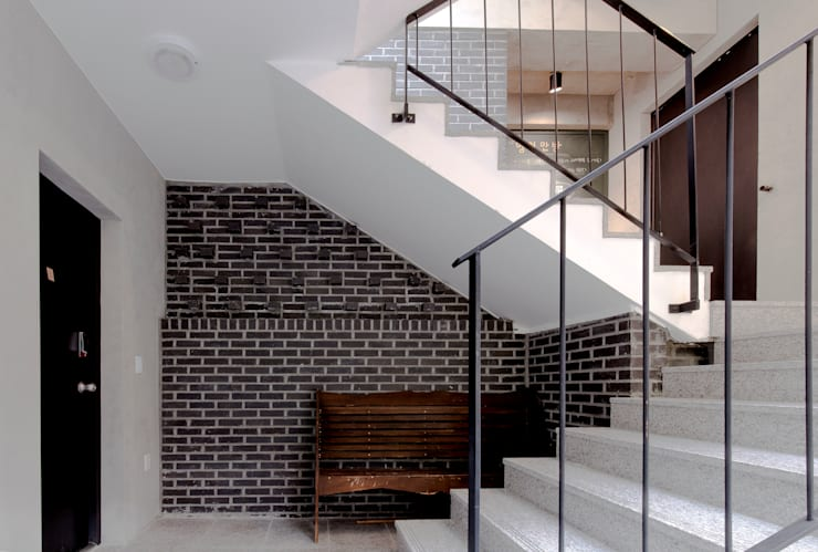 근린생활시설 단독주택: 집으로의  계단,모던