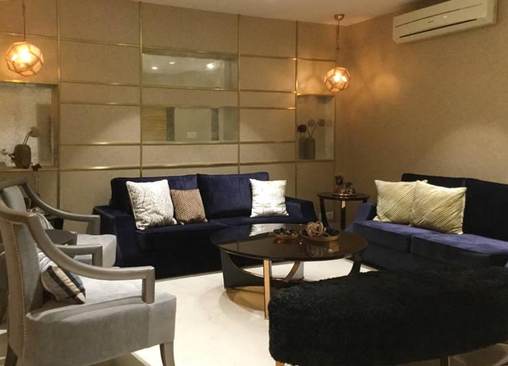 Residence Design, Bhera Enclave:  Living room by H5 Interior Design