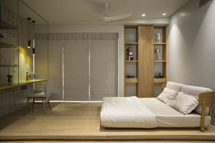 Bedroom 3: view 1: modern Bedroom by DESIGNER'S CIRCLE